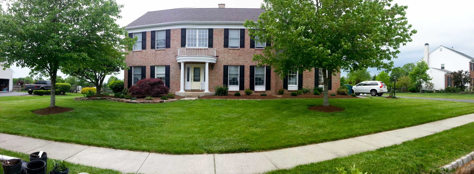 Blending The Old And New In Landscaping Country Lawn